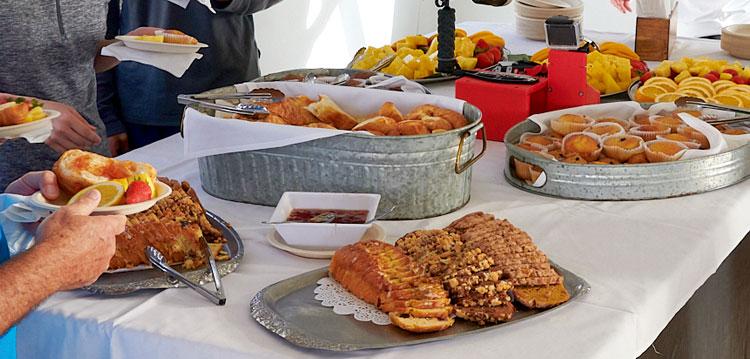 Breakfast Molokini Snorkel Tour
