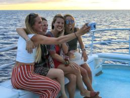 choose us selfie